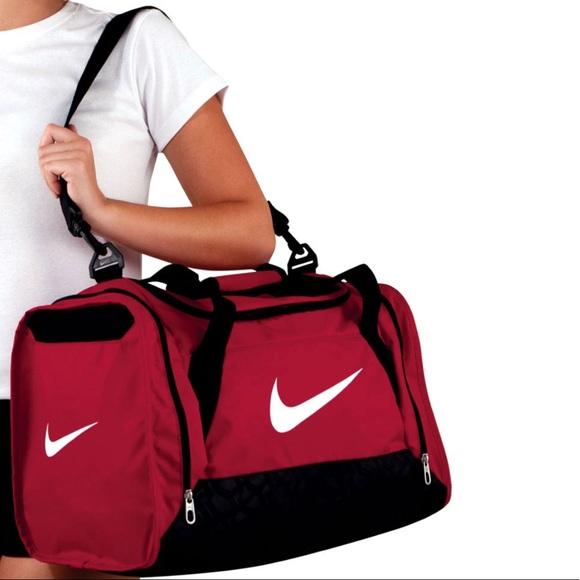 Nike Bags   Nwt Medium Duffle Bag   Poshmark 11abe96bab